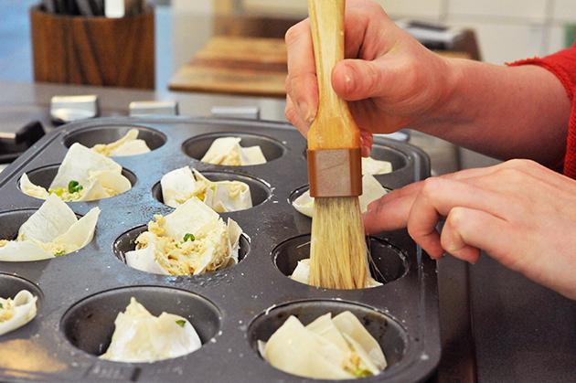 Tasty Kitchen Blog: Skinny Crab Rangoon. Guest post by Georgia Pellegrini, recipe submitted by TK member Dara of Generation Y Foodie.