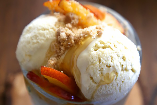 Tasty Kitchen Blog: Looks Delicious! (Bourbon Honey Ice Cream with Brown Butter Crumble & Fresh Peaches, submitted by Lauren of Climbing Grier Mountain)