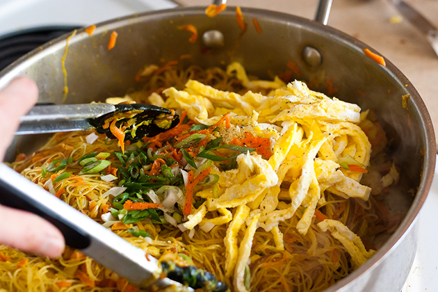 Tasty Kitchen Blog: Singapore Noodles (Singapore Mei Fun). Guest post by Natalie Perry of Perry's Plate, recipe submitted by TK member Sarah of The Woks of Life.