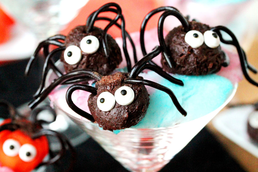 Tasty Kitchen Blog: Looks Delicious! (Halloween Creepy Crawler Spiders, submitted by Nancy of Coupon Clipping Cook)