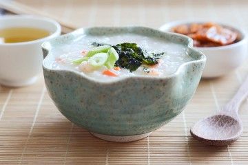 Tasty Kitchen Blog: Korean Shrimp and Rice Porridge (Saewoojuk). Guest post by Erica Kastner of Buttered Side Up, recipe submitted by TK member Erica of Apricosa.