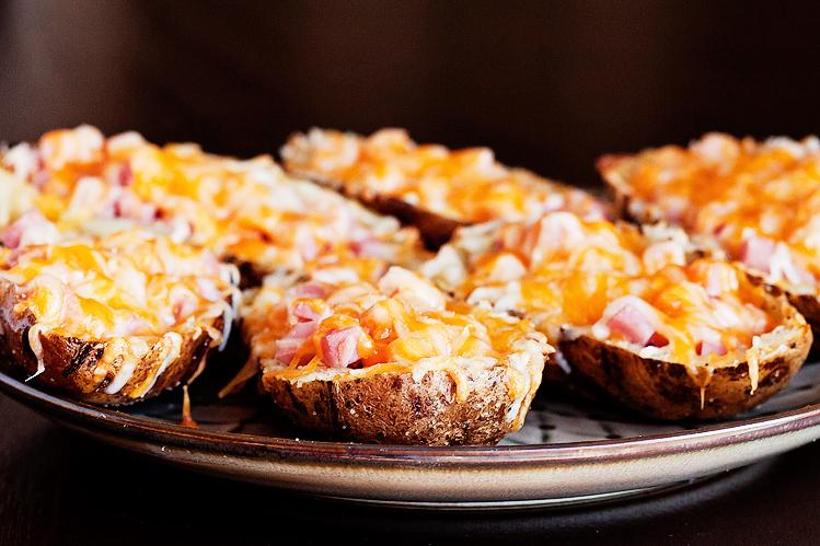 Tasty Kitchen Blog: Recipes for Leftover Ham (Ham and Cheese Potato Skins)