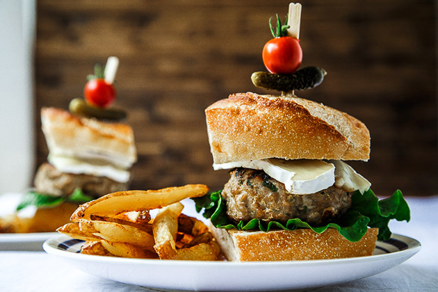 Tasty Kitchen Blog: Looks Delicious! (Memorial Day Burgers)