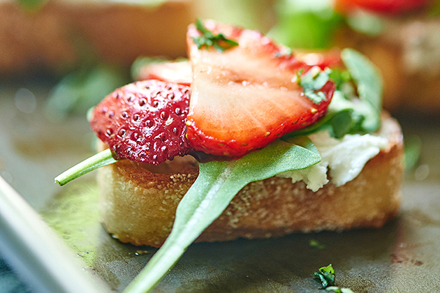 Tasty Kitchen Blog: Looks Delicious! (Strawberry Goat Cheese Bruschetta, submitted by TK members Trevor and Jennifer of Show Me the Yummy)