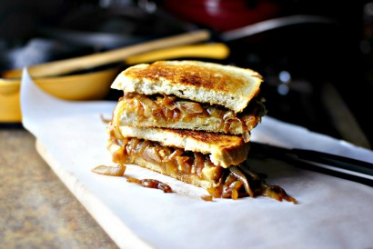 French Onion Soup Grilled Cheese Sandwiches | Tasty Kitchen Blog