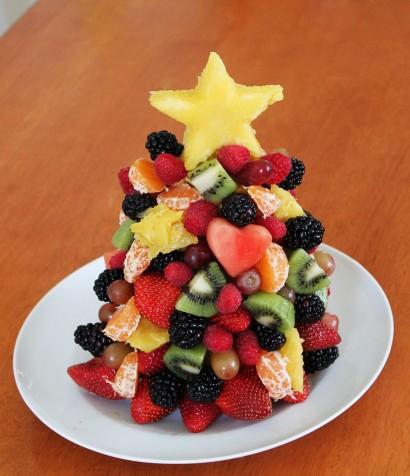 Christmas Fruit Salad.Fruit Christmas Tree